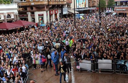 harry-potter-film-crowds