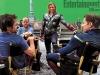 Robert Downey JR, Joss Whedon, Chris Hemsworth e Chris Evans durante una pausa sul set di The Avengers