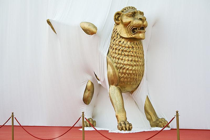 800px-golden_lion_venice_film_festival_2008_1